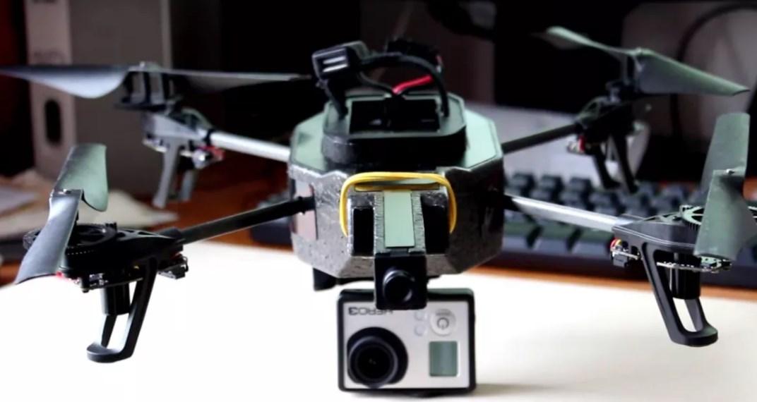 AR Drone с камерой GoPro