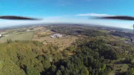 дрон в полете