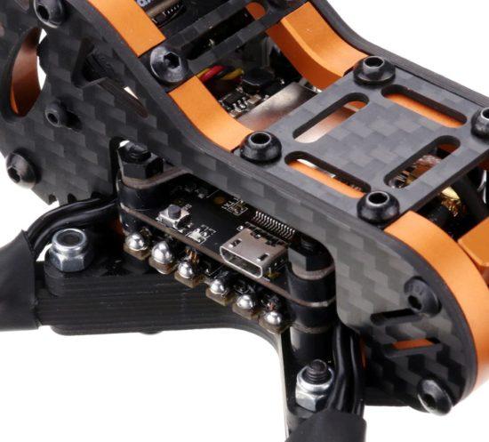 Eachine Tyro109 гоночный FPV квадрокоптер электроника крупным планом
