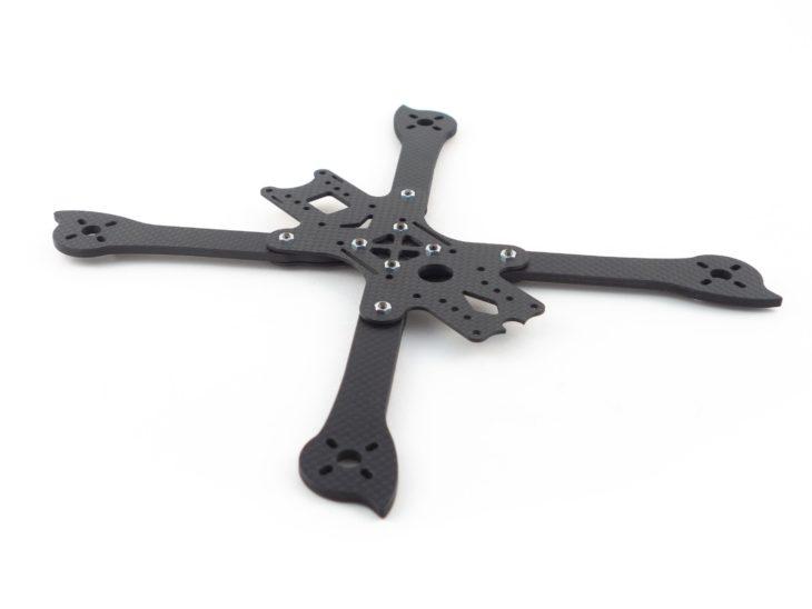 Гоночный квадрокоптер своими руками, на раме iFlight XL5 V3 начало сборки рамы 2