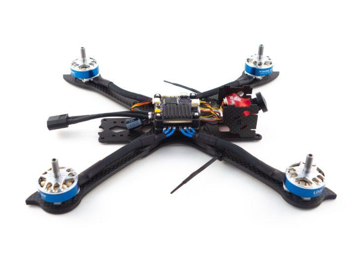 Гоночный квадрокоптер своими руками, на раме iFlight XL5 V3 с установленными компонентами