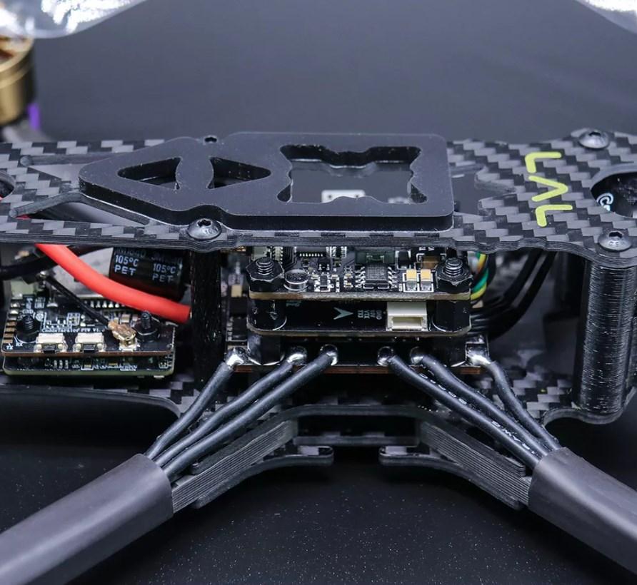 Eachine LAL5 гоночный дрон с 4К камерой
