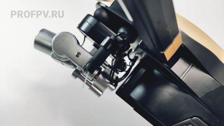 Камера и подвес сбоку 3