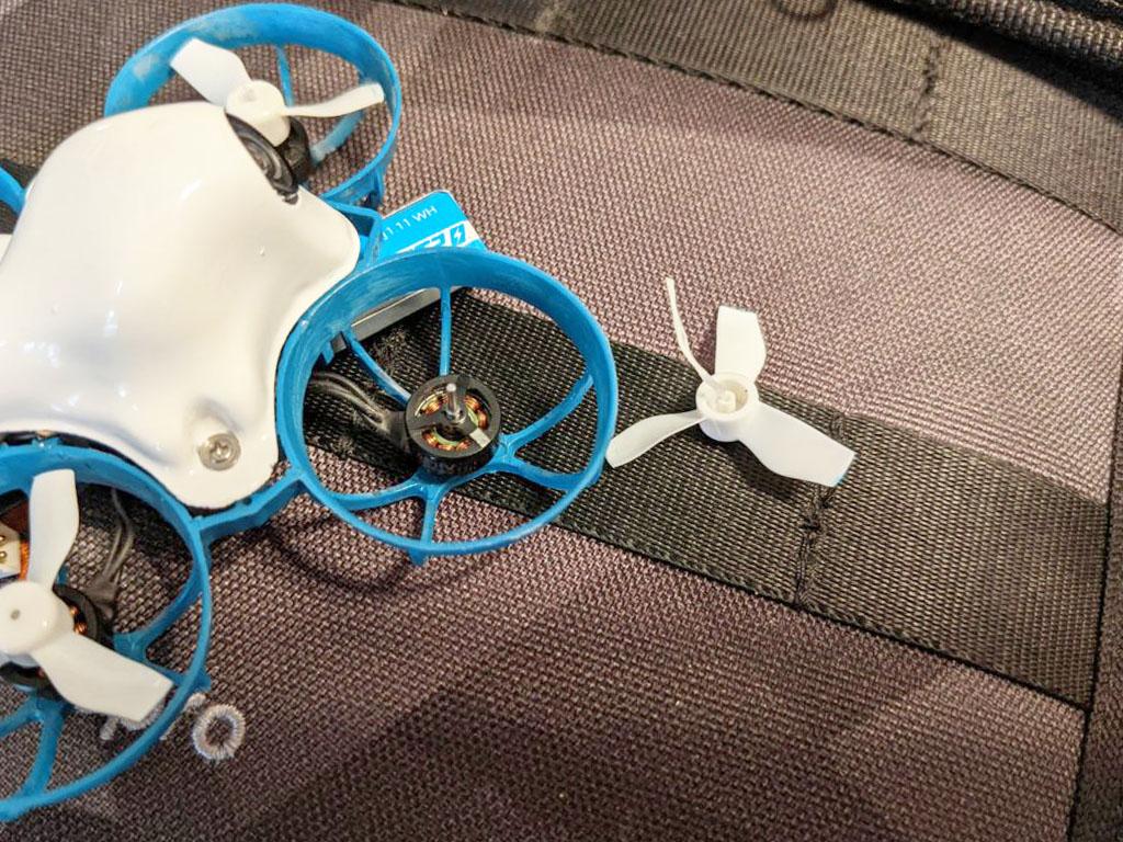 Вылетают пропеллеры на микро квадрокоптере? Совет, как исправить