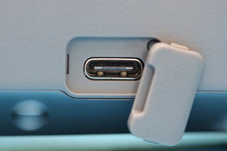 Обзор Mavic Air 2 - разъем USB