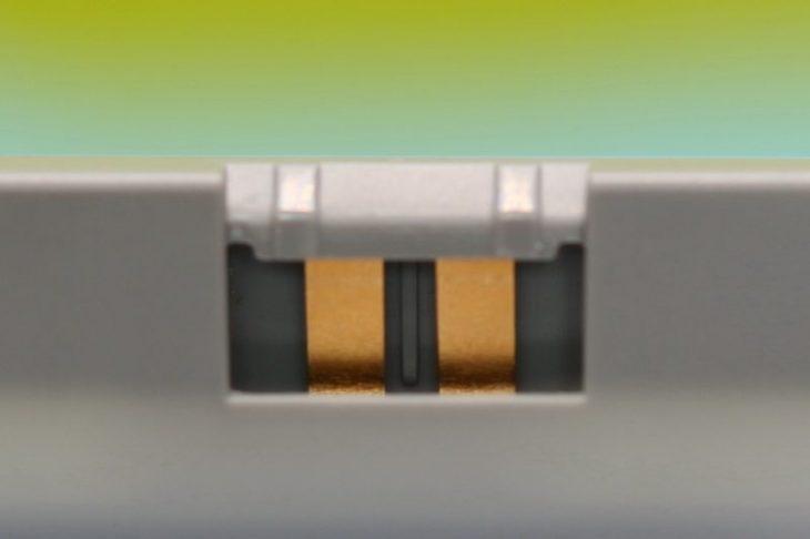 Обзор Mavic Air 2 - контакты аккумулятора
